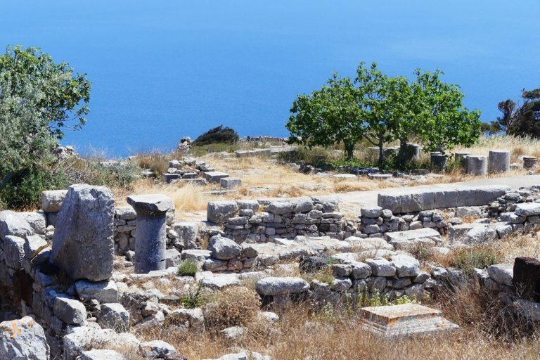 Visit the ancient Thira